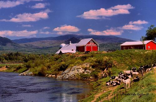 Placey-Farm,-Newbury,-Vermont.jpg